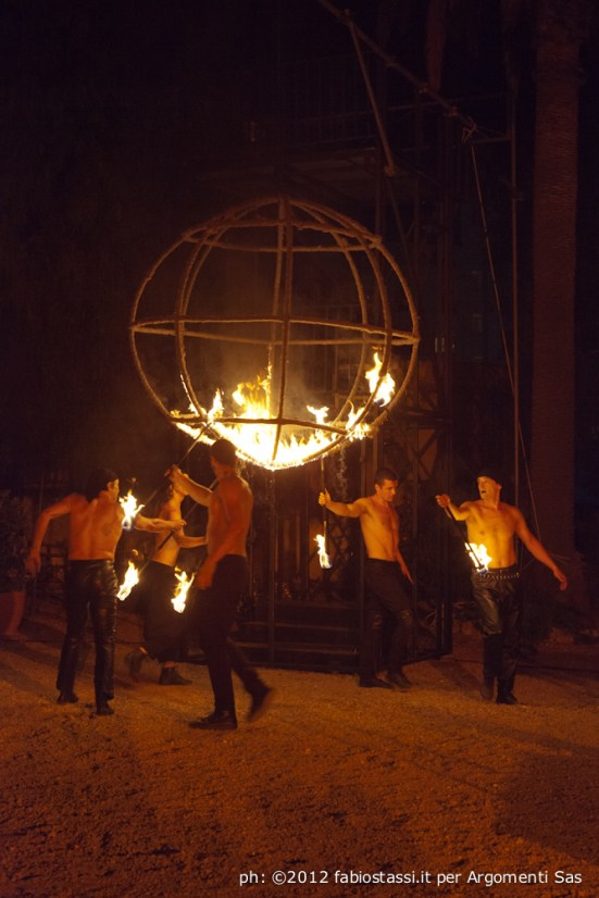 Teatro del Fuoco - International firedancing festival.