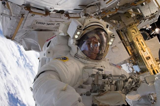 Jan. 13, 2017 — NASA astronaut Shane Kimbrough takes a space walk