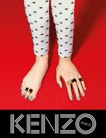 KENZO_toilet_paper-campagna_ai2013_hand_feet