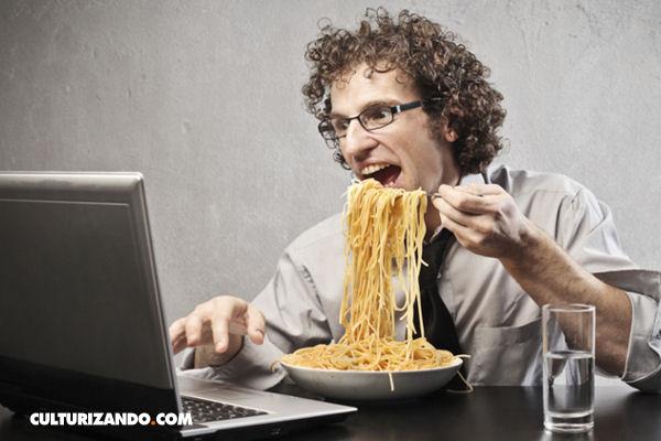 Por qu es malo comer frente al computador o televisin