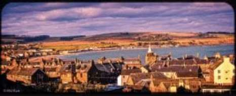 Photo of the seaside village of Stonehaven, Scotland. Courtesy of Alba Marie