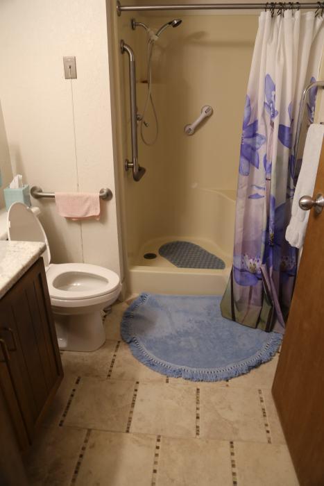Bathroom 2 Br Deluxe