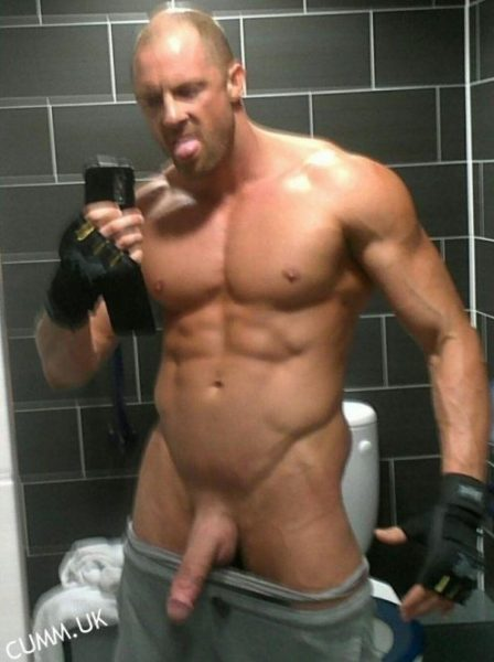 muscle dad hung