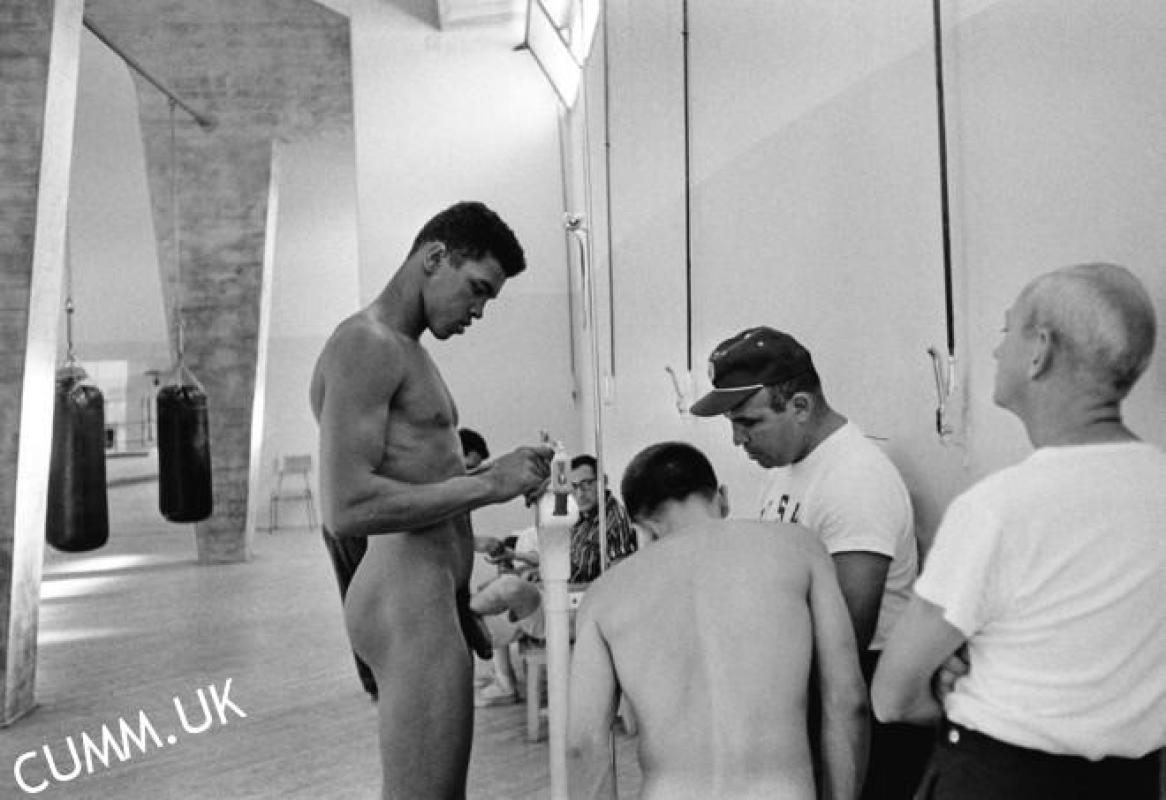 muhammad-ali-showing-off-his-great-cock-in-the-olympic-games-of-rome-august-19-1960