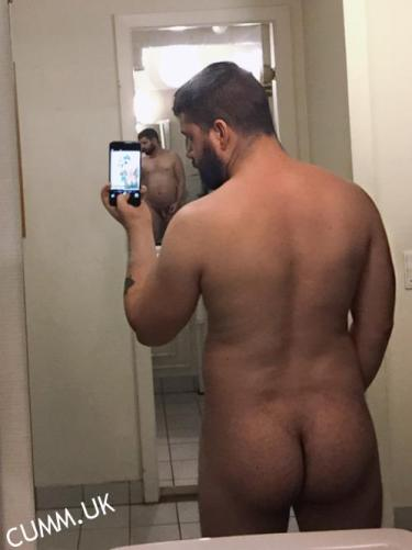big butt bear dutch selfie