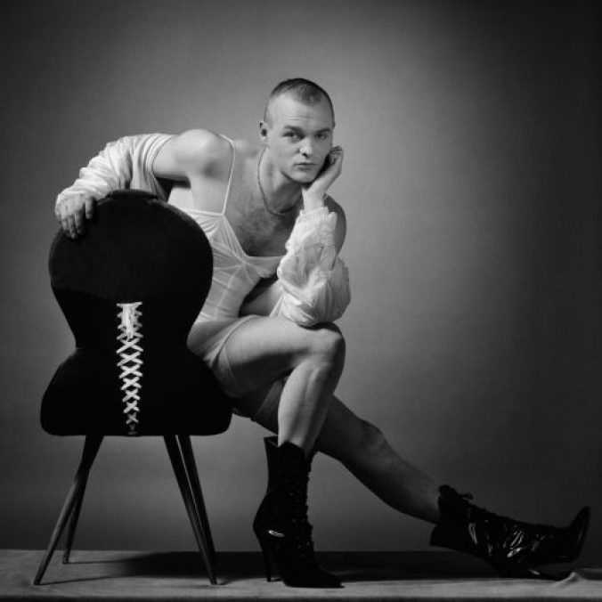 erwin olaf Squares, Jan On Chair700