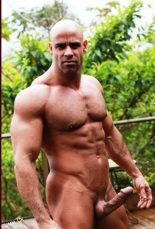 mature hung muscleman
