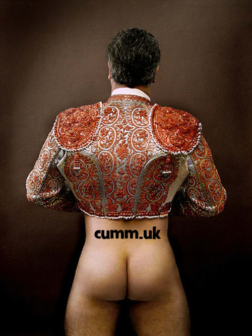 mighty sexy spanish bull fighter naked great fuckable arse
