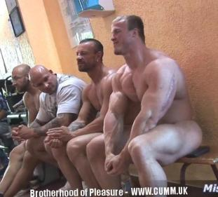 horny naked daddy at the gym