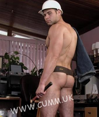 builders hairy buttocks