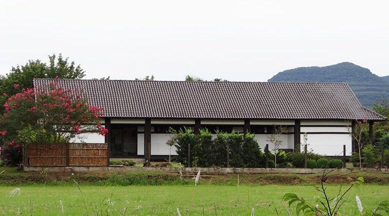 Prédio do Memorial da Colônia Japonesa de Ivoti visto da rua Sakura