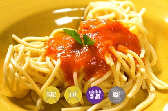spaghete cu sos de roșii