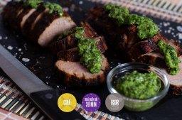 mușchiuleț de porc la grătar cu sos de verdețuri