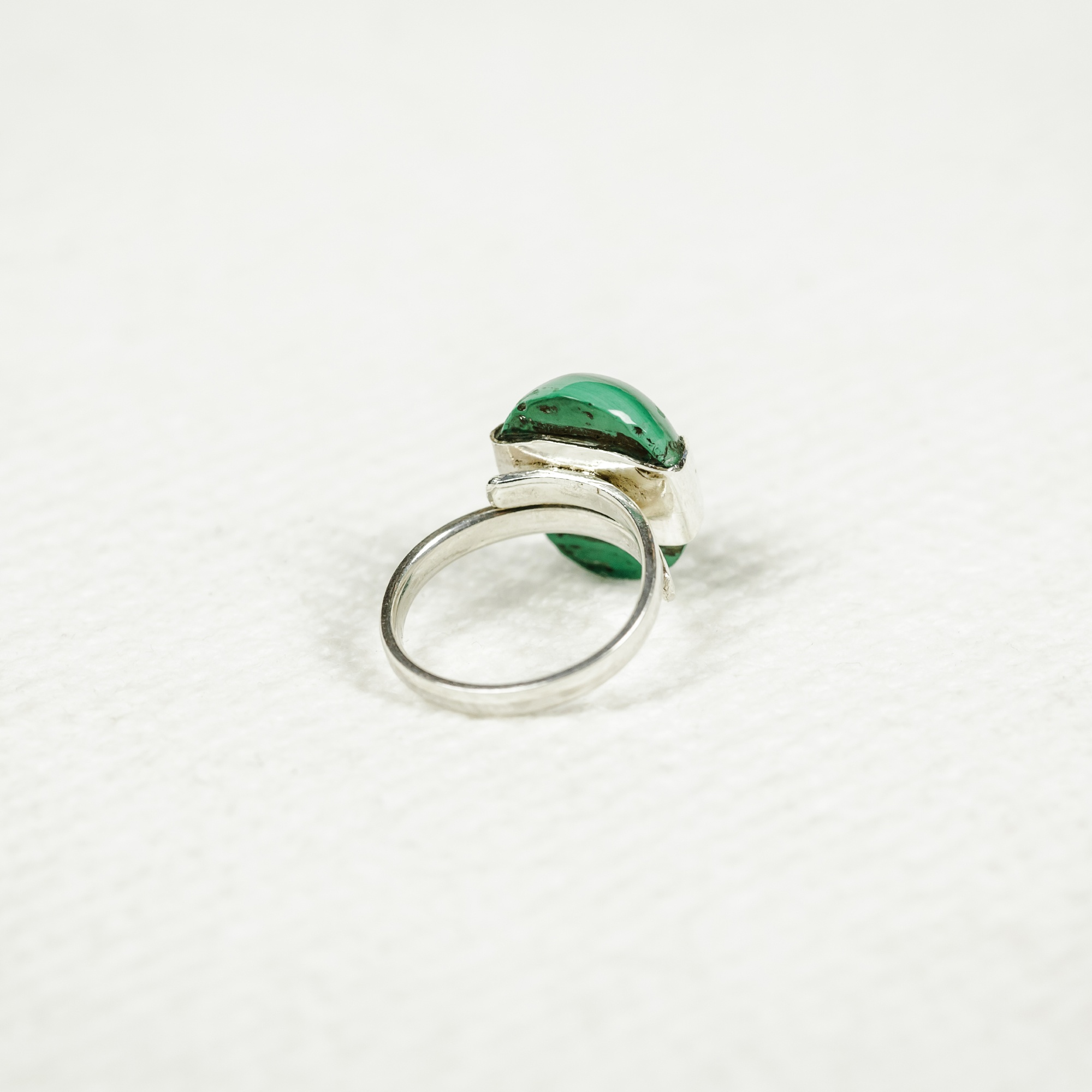 Ring with Malachite