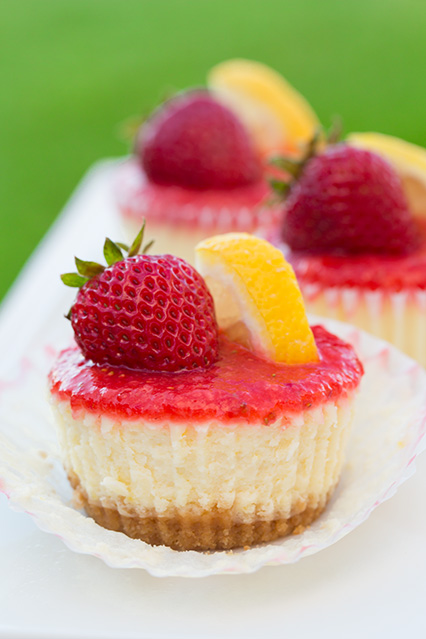 Strawberry Lemonade Cheesecake Cupcakes