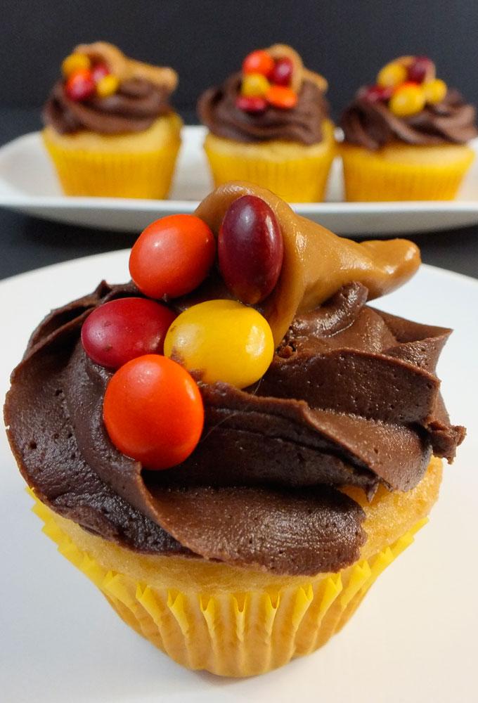 Thanksgiving Carmelcopia Cupcakes