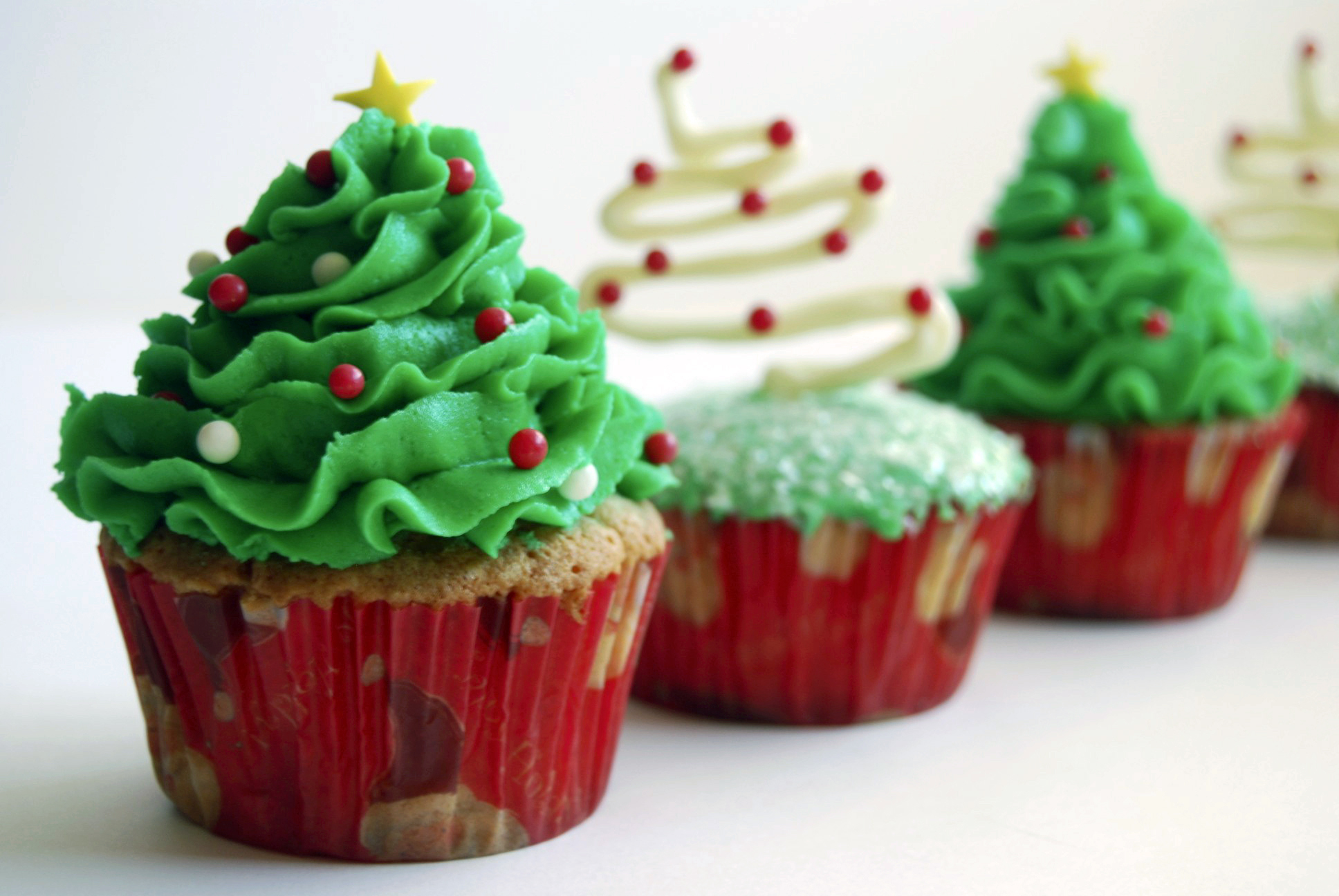 Image result for images of christmas cupcakes