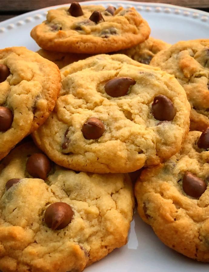 Very Vanilla Chocolate Chip Cookies