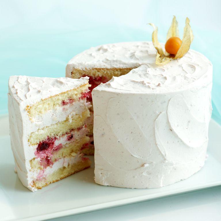 торт йогуртовый с вишней