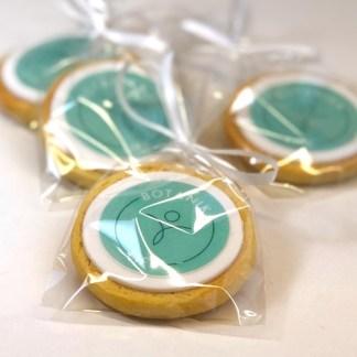 печенье с логотипами