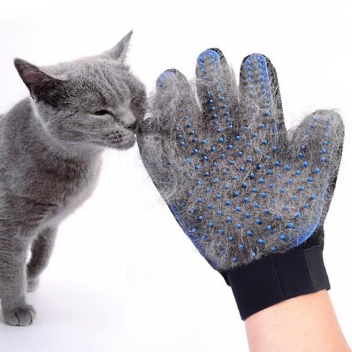 Manusa pentru perierea pisicii cu efect de masaj