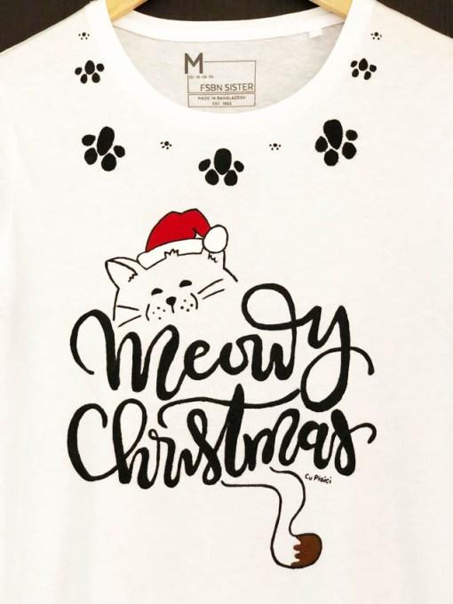 Tricou pictat manual cu pisica Meowy Christmas si Pernute