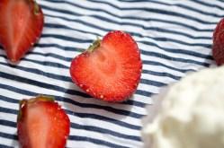 jordbærcupcakes med flødeskum 050