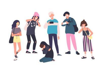 13enne picchiata da un branco di coetanei, che condividono il post sui social