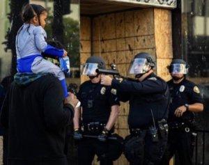 manifestanti-di-donald-trump
