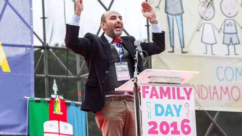 Elodie giudica l'omofobia della Lega e i fan di Salvini danno il peggio di sé