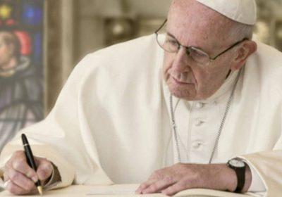 Papa Francesco sostiene di nuovo la comunità LGBT: qual è la vera posizione del Pontefice?
