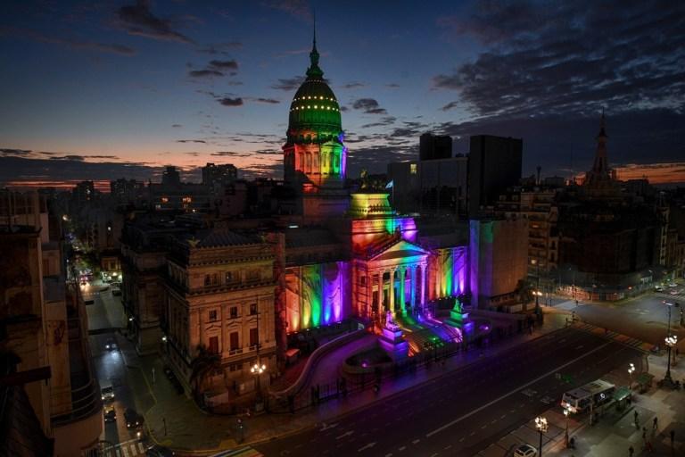 11 anni fa venivano approvati i matrimoni LGBT in Argentina