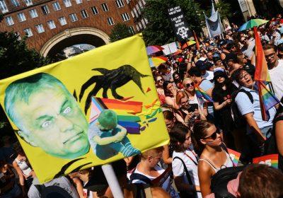 Ungheria: a Budapest in migliaia contro le politiche omofobe di Orban