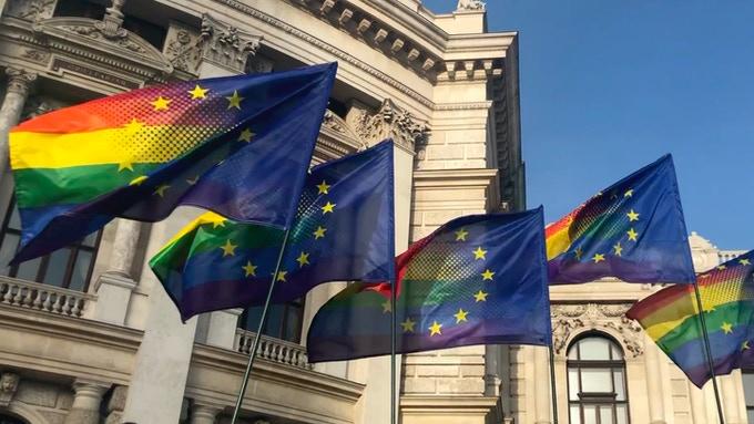 Commissione europea avvia procedure contro Polonia e Ungheria per le politiche anti-LGBT