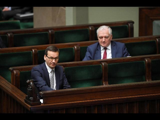 Polonia in crisi di governo: il premier Morawiecki licenzia il vice