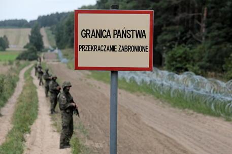 Polonia: il Parlamento approva la costruzione del muro contro l'immigrazione