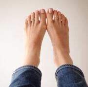 pink polish toes 2015