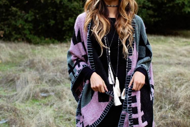 perru_p_jyo5_cuppajyo_sanfrancisco_styleblogger_fashion_travelblogger_delacyclothing_tolani_cape_blackdress_fallfashion_3