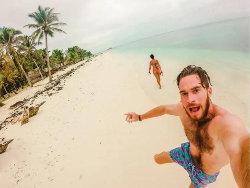 san blas island kuna excited spanish mistakes estar ser paradise beach couple travel