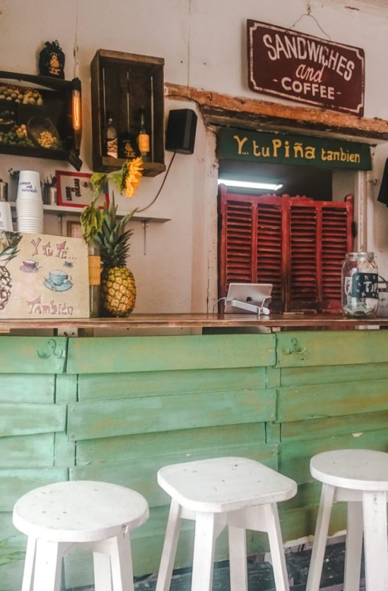 Best cafés in Antigua | Y tu piña tambien cafe | coffee shops Guatemala | Latin America travel guides by Cuppa to Copa Travels