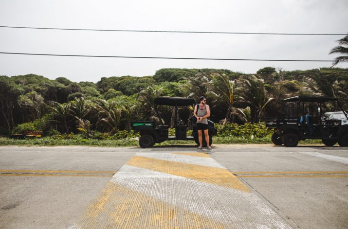 golf cart renting a buggy on San Andres colombia island travel guide