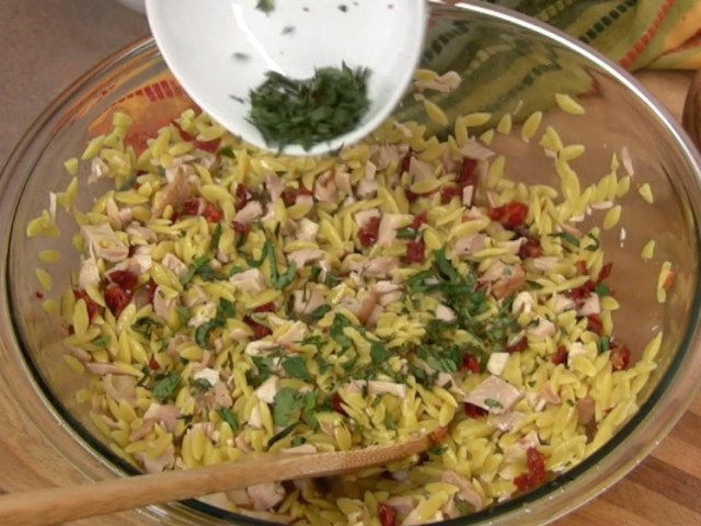 Orzo with Chicken and Sun Dried Tomatoes 9
