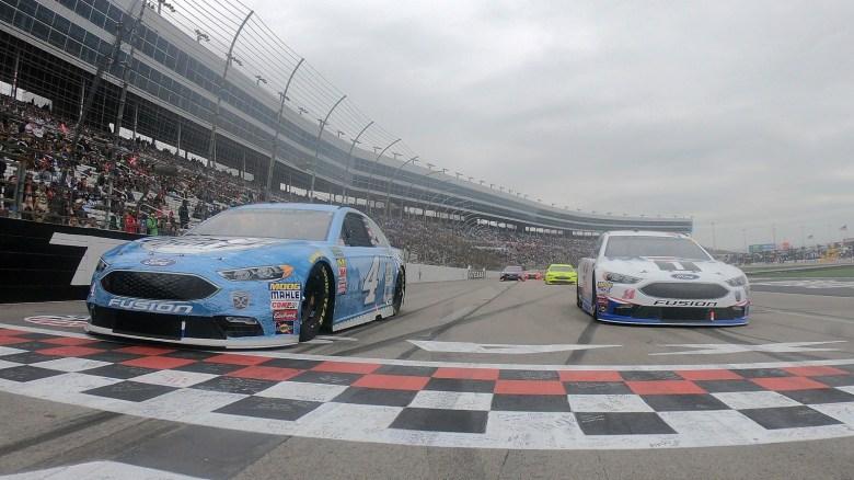 Photos: NASCAR at Texas Motor Speedway, Sunday April 8, 2018 - CupScene.com