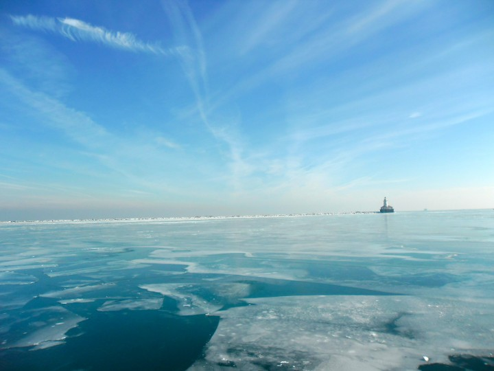 Chicago-Frozen-Lake-Navy-Pier