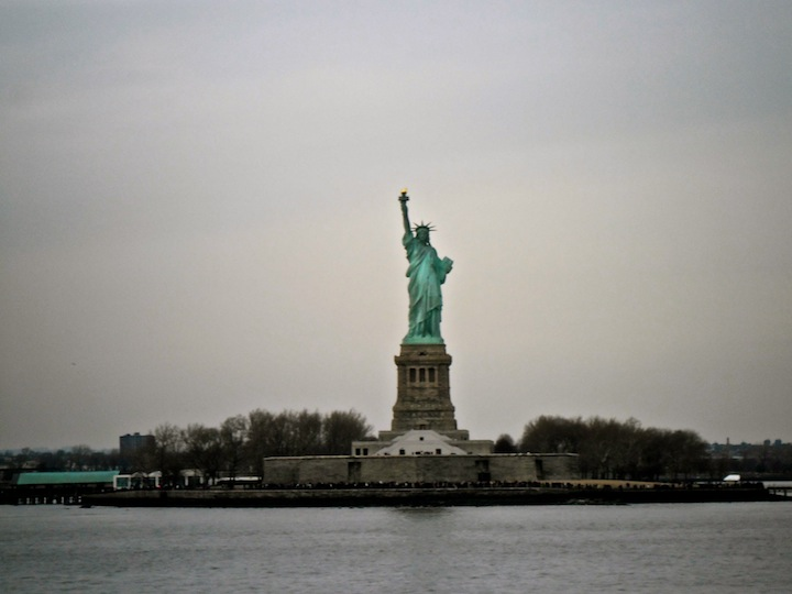 road-trip USA : statue-of-liberty-from-ferry
