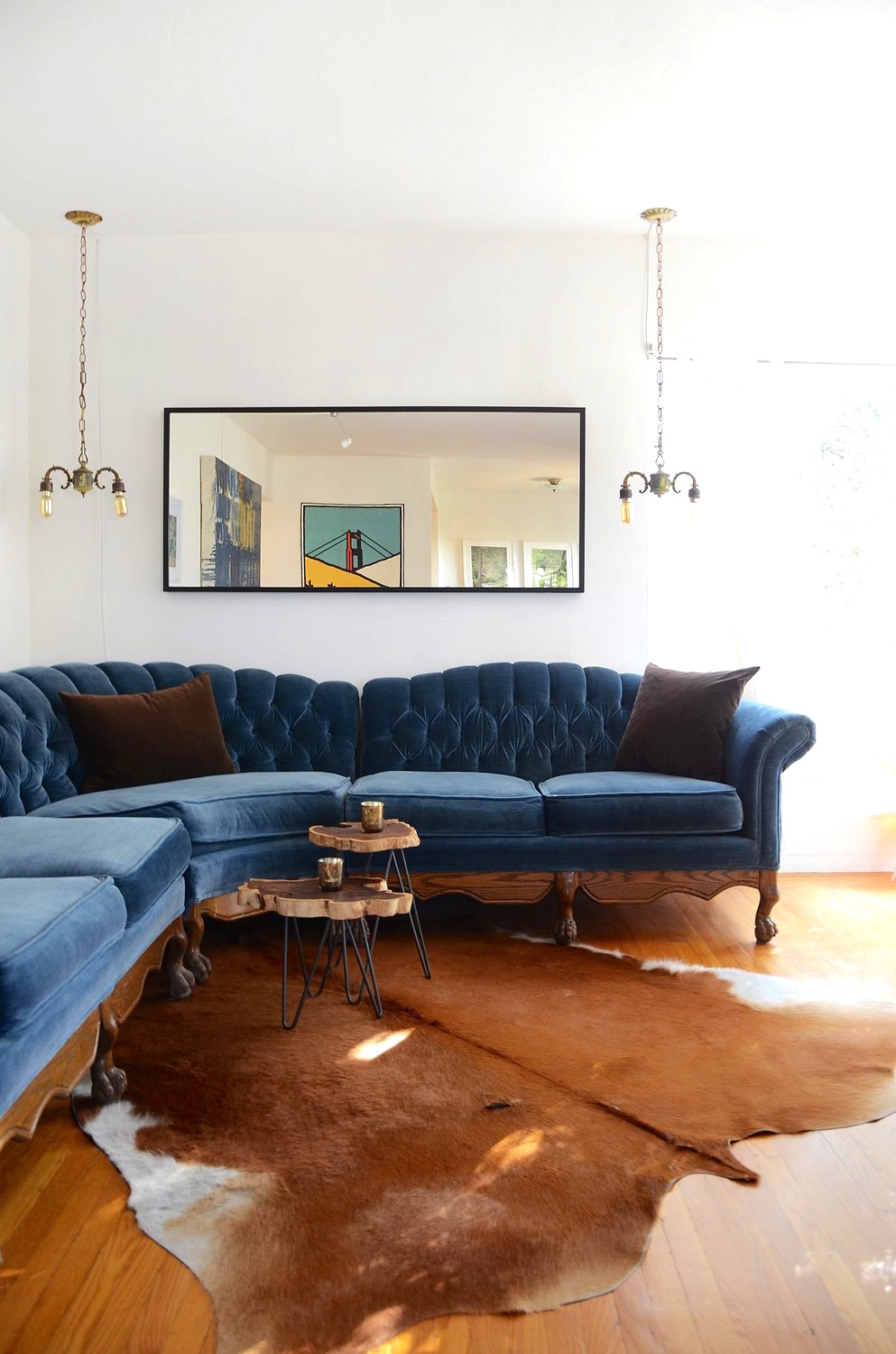 navy blue velvet sofa rowe bed mattress 25 stunning living rooms with sofas esteban cortez apartment therapy