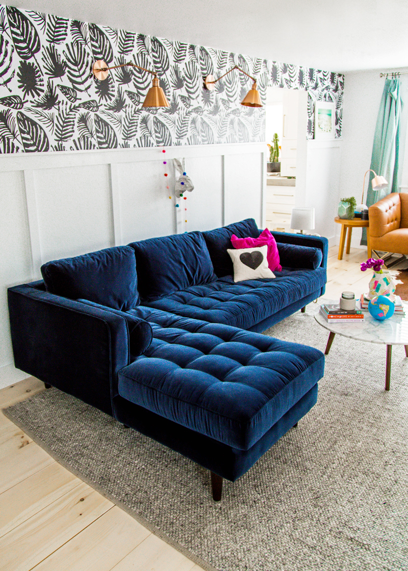navy blue velvet sofa city furniture leather bed 25 stunning living rooms with sofas tufted via a subtle revelry