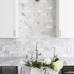 Kitchen Backspash Long Rugs 14 White Marble Backsplash Ideas You Ll Love Gray And With Tiled Via Maison De Pax