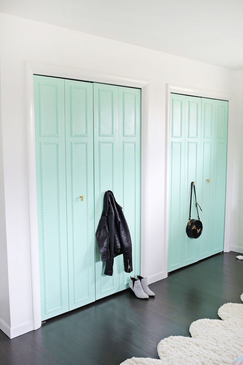 12 Amazing Ideas for Colorful Interior Doors