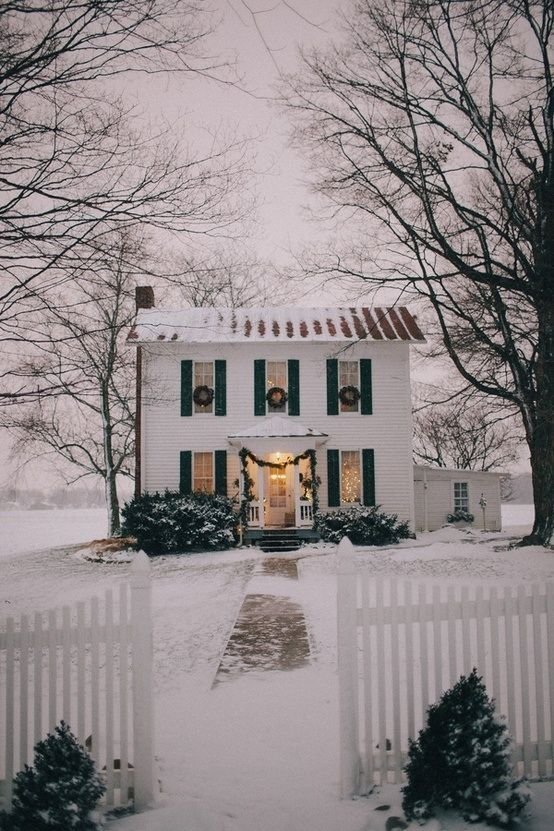 Colonial House Christmas Lights : colonial, house, christmas, lights, Awe-Inspiring, Outdoor, Christmas, Houses, Decorations